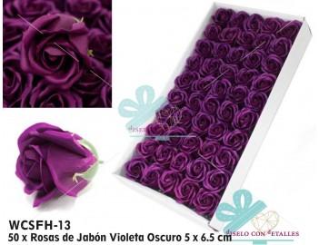 Caja con 50 rosas perfumadas de jabón en color violeta oscuro